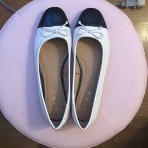 Cap toe ballet flats
